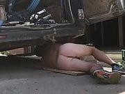 Nude repairing van