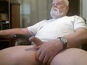 Bearded daddy with big balls on cam